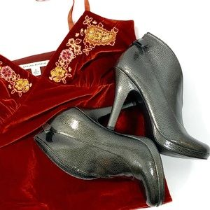 Jessica Simpson Thalia Stiletto Metallic booties